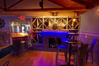 Hotel Bar | The Inlet Sports Lodge