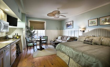 Guestroom | The Inlet Sports Lodge