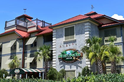 Hotel Front | The Inlet Sports Lodge