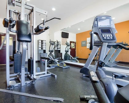 Fitness Facility | Comfort Suites Topeka