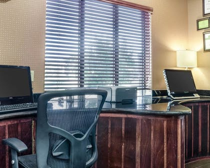 Business Center | Comfort Suites Topeka