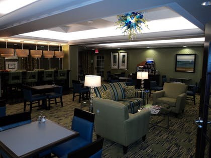 Restaurant | Holiday Inn Express Hotel and Suites Scranton