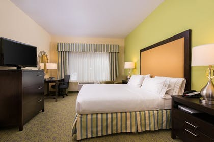 Room | Holiday Inn Express Hotel and Suites Scranton