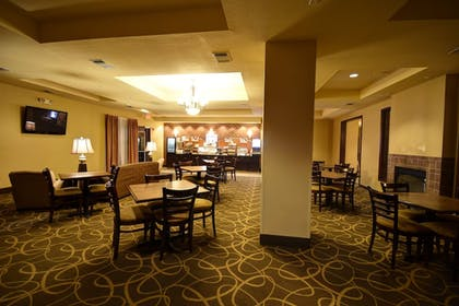 Restaurant | Holiday Inn Express Hotel and Suites Del Rio