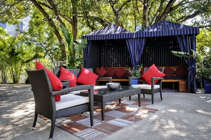 Courtyard | Tradewinds Apartment Hotel, a South Beach Group Hotel