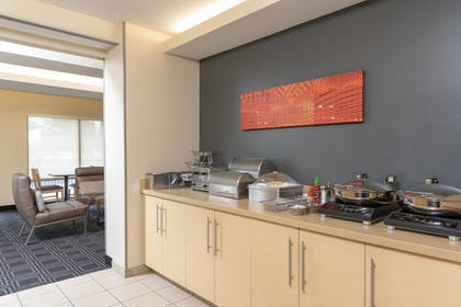 Restaurant | TownePlace Suites Fort Wayne North