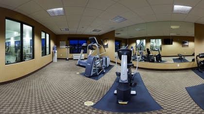 Fitness Facility | Holiday Inn Express and Suites Mason City
