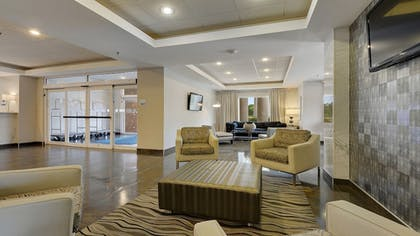 Lobby | Holiday Inn Express & Suites Gonzales