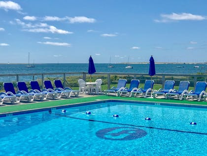 Outdoor Pool | Green Harbor Resort
