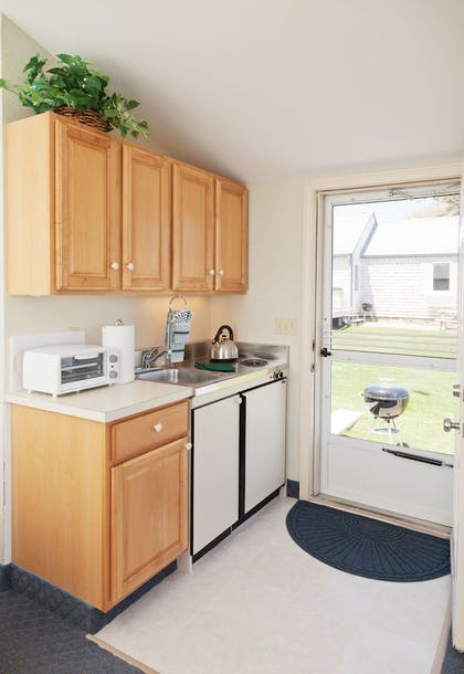 In-Room Kitchenette | Green Harbor Resort