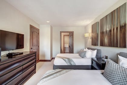Guestroom | Legendary Lodging at the Ritz-Carlton Residences