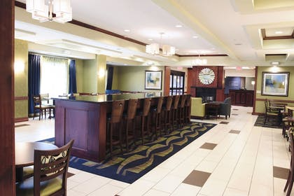 Restaurant | Holiday Inn Express and Suites Urbandale
