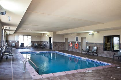 Pool | Holiday Inn Express and Suites Urbandale