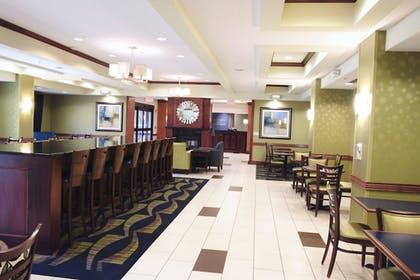 Lobby | Holiday Inn Express and Suites Urbandale