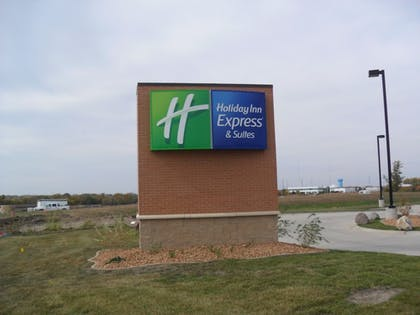 Exterior | Holiday Inn Express and Suites Urbandale
