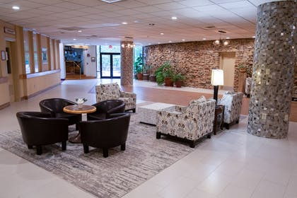 Lobby Sitting Area | Mountain Laurel Resort