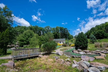 Mini-Golf | Mountain Laurel Resort