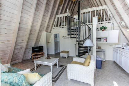 Living Room | Anchor Inn and Cottages