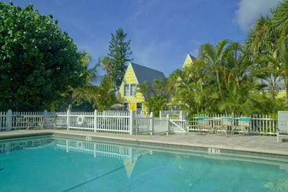 Property Grounds | Anchor Inn and Cottages