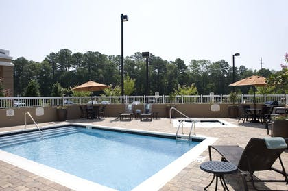 Outdoor Pool | Fairfield Inn & Suites Columbus