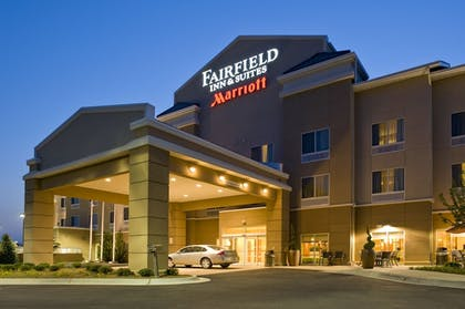 Hotel Front - Evening/Night | Fairfield Inn & Suites Columbus