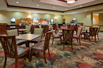 Restaurant | Holiday Inn Express Hotel & Suites Helena