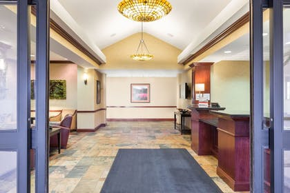 Exterior | Holiday Inn Express Hotel & Suites Helena