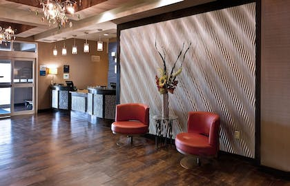 Lobby | Holiday Inn Express & Suites Wichita Northwest