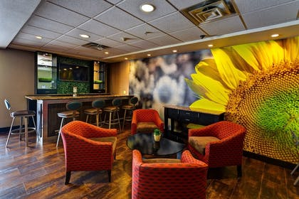 Restaurant | Holiday Inn Express & Suites Wichita Northwest