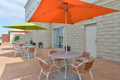 Outdoor Dining | Holiday Inn Express Hotel & Suites Terre Haute