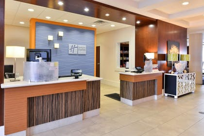 Lobby | Holiday Inn Express Hotel & Suites Terre Haute
