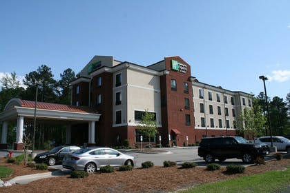 Exterior | Holiday Inn Express Hotel & Suites Rockingham