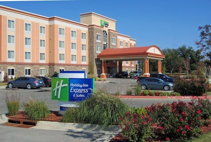 Hotel Front | Holiday Inn Express Tulsa South Bixby