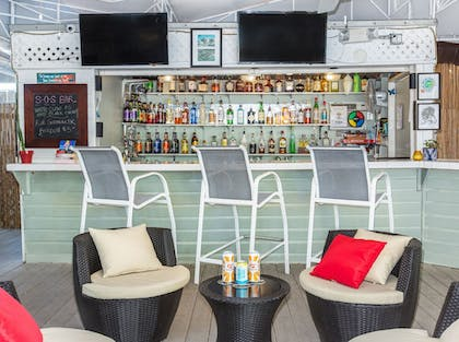 Sports Bar | The Southernmost Inn-Adults Only