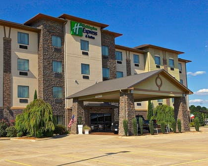 Featured Image | Holiday Inn Express Heber Springs