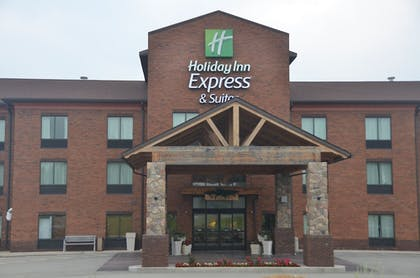 Exterior | Holiday Inn Express Hotel & Suites Donegal