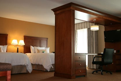 In-Room Business Center | Hampton Inn and Suites Detroit/Chesterfield Township