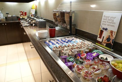 Breakfast buffet | Residence Inn by Marriott Pittsburgh Monroeville/Wilkins