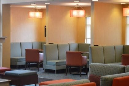 Lobby Sitting Area | Residence Inn by Marriott Pittsburgh Monroeville/Wilkins