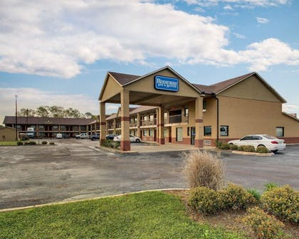 Featured Image   Rodeway Inn & Suites