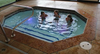 Pool | Holiday Inn Express Arkadelphia - Caddo Valley