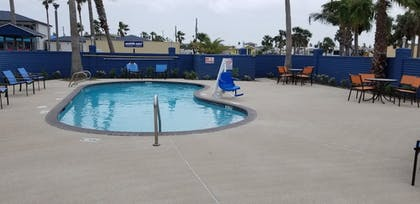Outdoor Pool | Captain's Quarters Inn