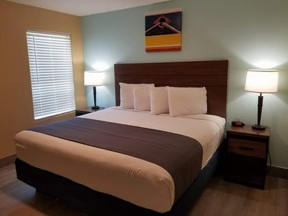 Guestroom | Captain's Quarters Inn