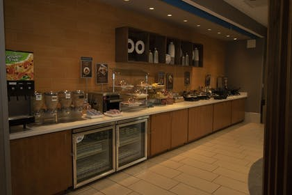 Breakfast Area | SpringHill Suites by Marriott San Antonio Alamo Plaza/Convention Cente