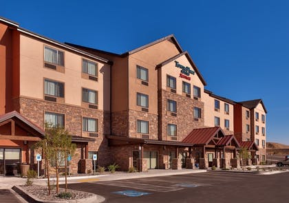Hotel Front | TownePlace Suites by Marriott Elko