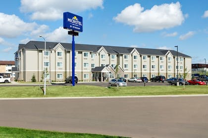 Featured Image | Microtel Inn & Suites by Wyndham Dickinson