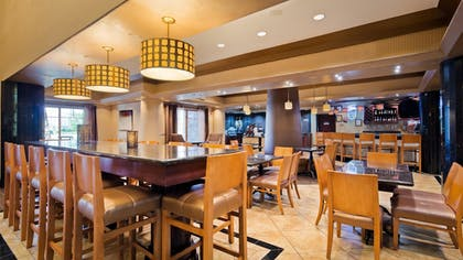 Hotel Bar | Best Western Premier KC Speedway Inn & Suites