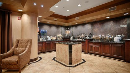 Breakfast Area | Best Western Premier KC Speedway Inn & Suites