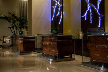Check-in/Check-out Kiosk | Renaissance Baton Rouge Hotel