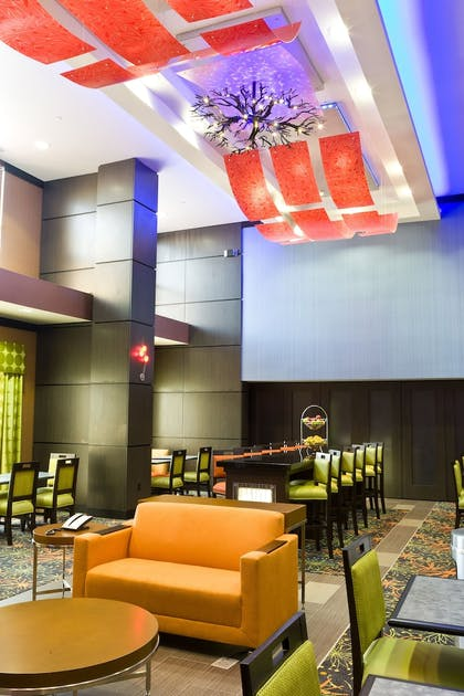 Lobby Lounge | Hampton Inn & Suites Tulsa Central